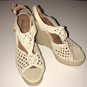 LUCKY BRAND Beige Crochet Wedge Sandals 8.5M